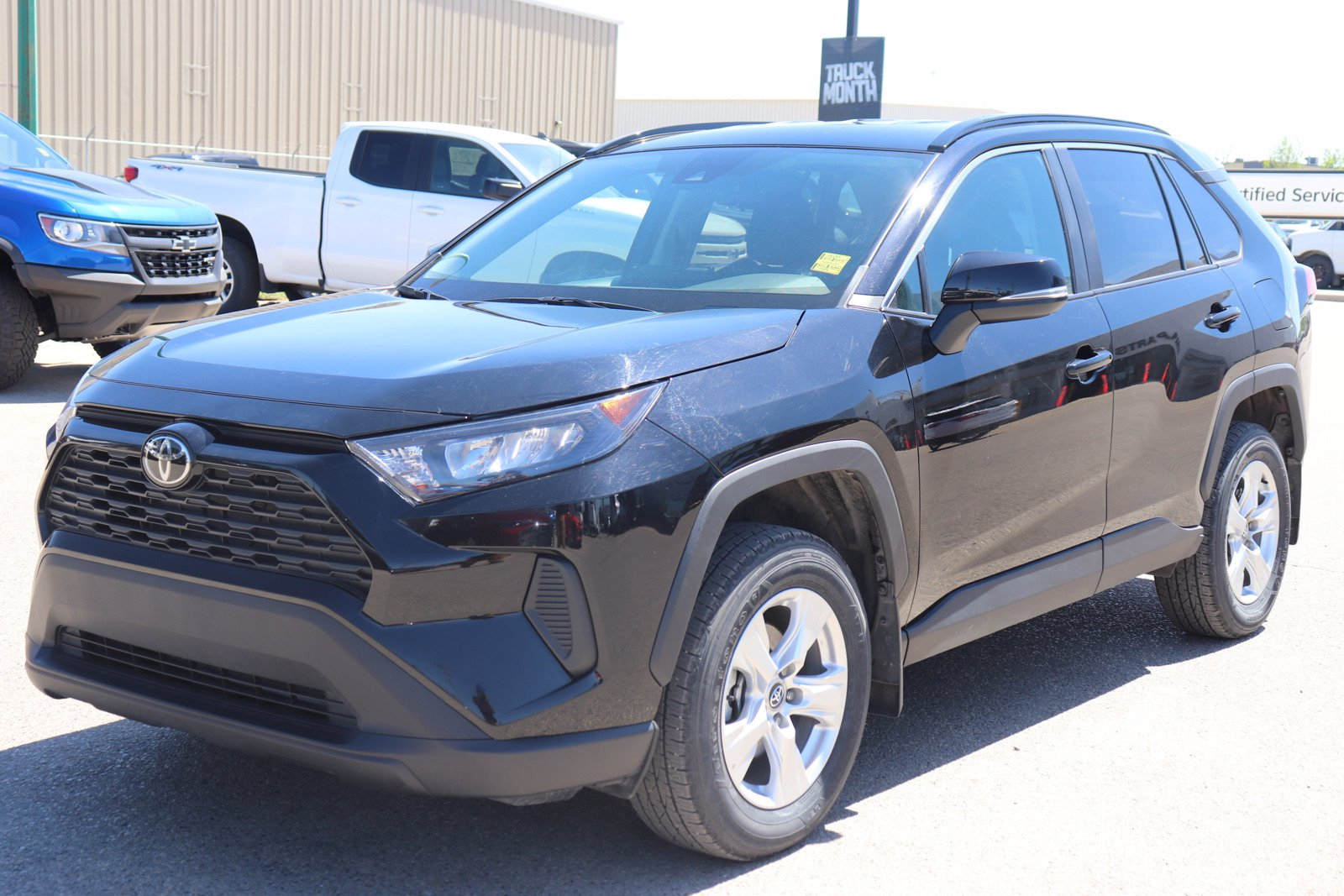 Certified Pre-Owned 2019 Toyota RAV4 LE - Heated Seats, Bluetooth, Back Up Camea, Alloys