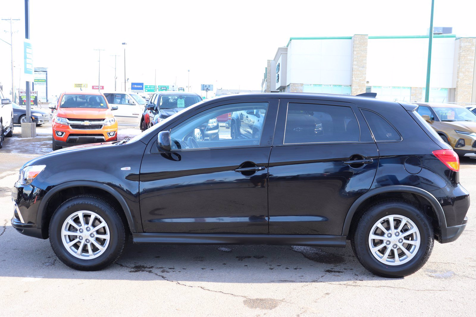 Certified Pre-Owned 2018 Mitsubishi RVR SE - AWD, Heated Seats, Back Up Camera