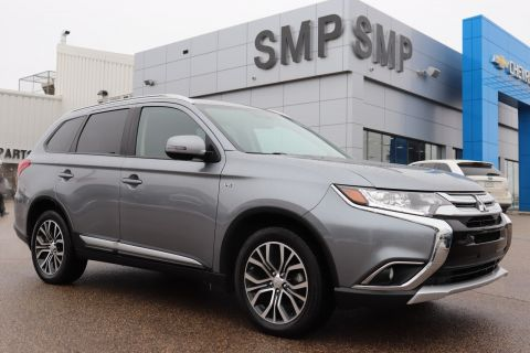 Certified Pre-Owned 2017 Mitsubishi Outlander SE - Heated Seats, Sunroof, Remote Start 4WD Sport Utility